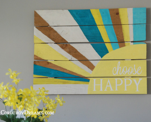 Pallet art- The Creative Mom.