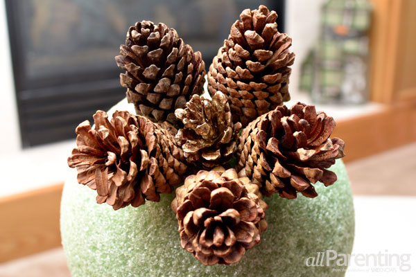 allParenting pine cone topiary step 4