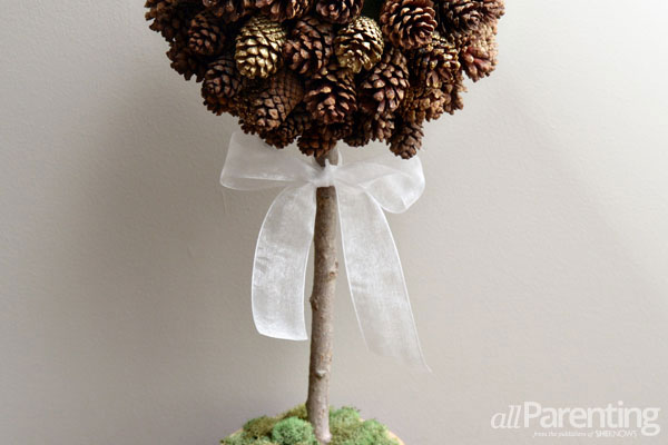 allParenting pine cone topiary step 6