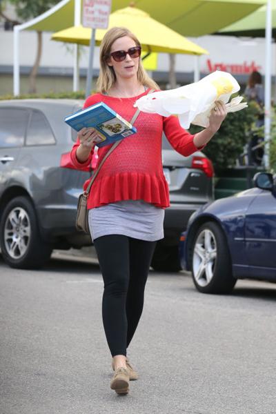 Pregnant Emily Blunt