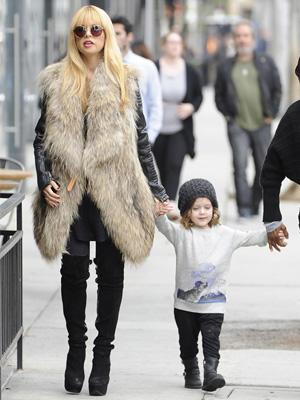 Get the look: Rachel Zoe's fur vest