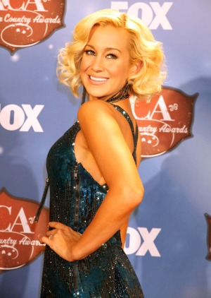 Pickler brings cheer on the USO tour