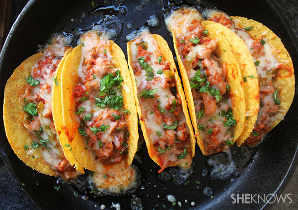 Sausage pizza tacos recipe