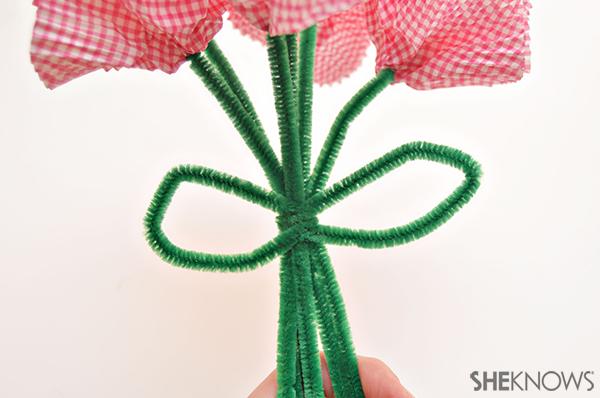 Cupcake liner bouquet | Sheknows.com - step five