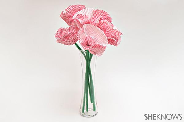 Cupcake liner bouquet | Sheknows.com - final product
