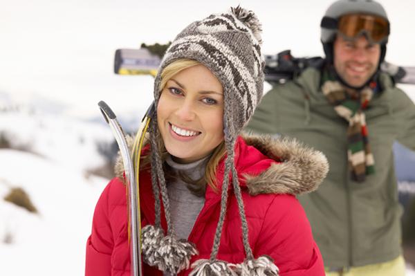 Couple at a ski resort | Sheknows.ca