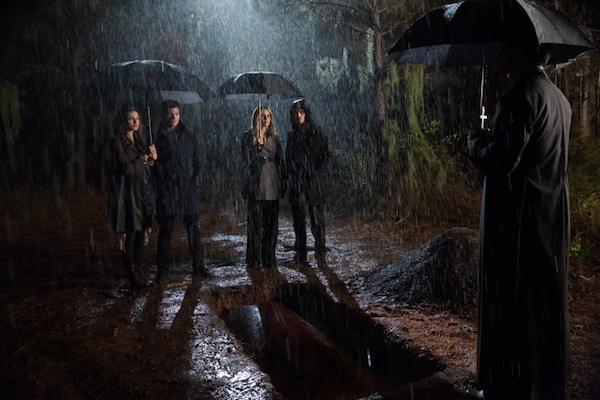 The vampires and witches attempt to save the town and Davina on The Originals