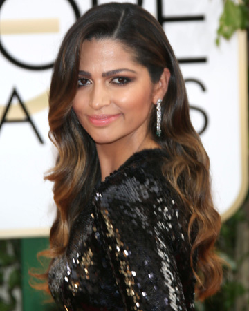 Camila Alves - Mommalogues