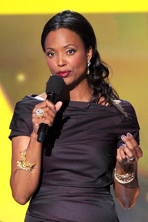 Aisha Tyler hosting Critics' Choice 2014