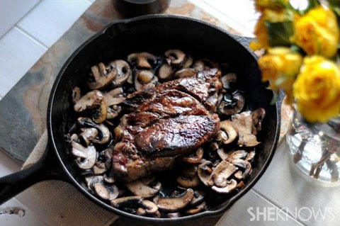seared steak with red wine mushrooms