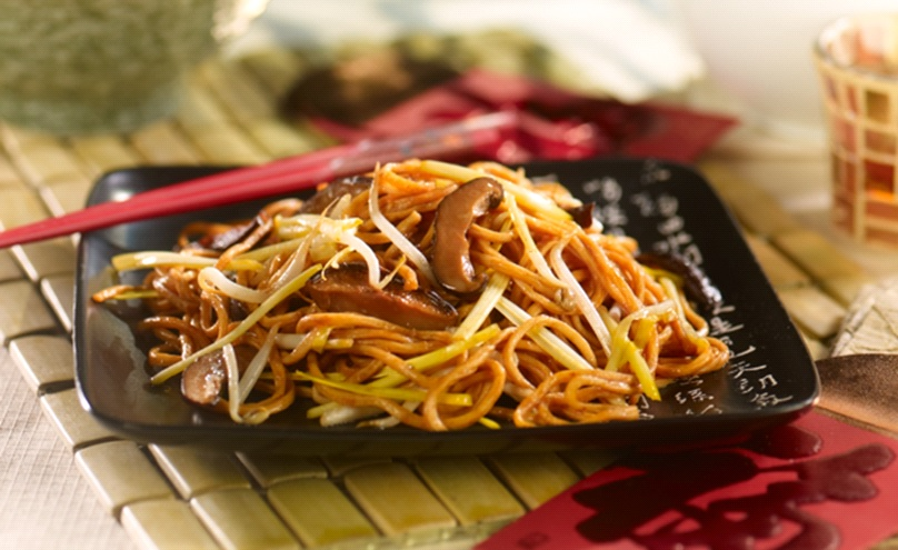 Chinese New Year Cantonese Longevity Noodles