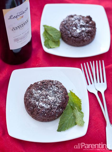 allParenting Mini dark chocolate red wine cakes