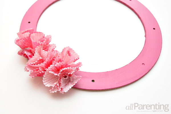 allParenting Valentine's Day wreath step 4