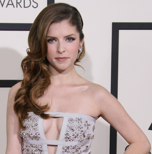 Anna Kendrick goes Hollywood glam with sideswept Grammys hair
