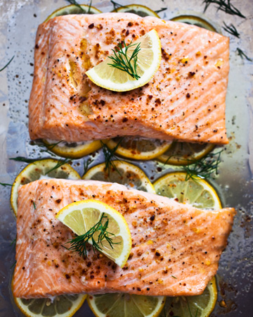 Baked salmon with lemons