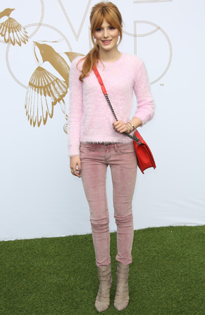 Get the look: Bella Thorne's cute colorblocking