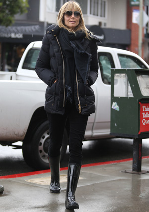 Get the look: Heidi Klum's rainy day gear