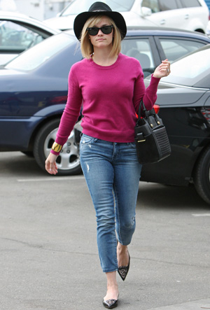 Get the look: Reese Witherspoon's errand-running outfit