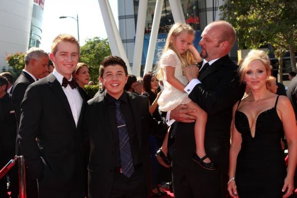 Good Luck Charlie  gets 2 mommies