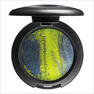 "M.A.C. Mineralize Eyeshadow in ""Tropical Taboo"""