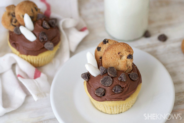 Milk and cookies unite in one amazing cupcake