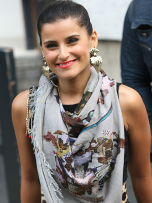 Nelly Furtado wearing a scarf