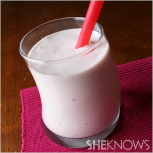 Banana split smoothie | Sheknows.com