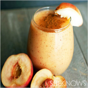 Peach cobbler smoothie | Sheknows.com