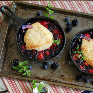 Berry skillet cobblers | Sheknows.com