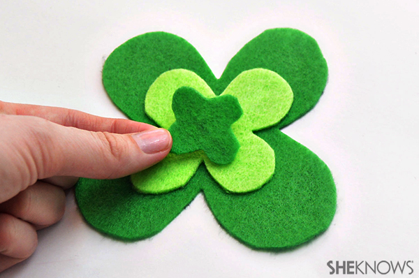 St. Patrick's day magents | Sheknows.com - lucky shamrock assembly