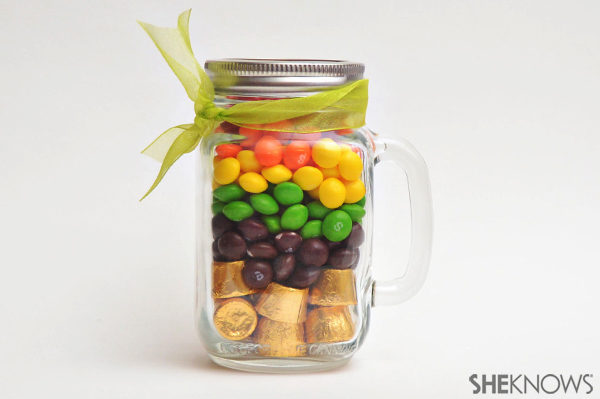 Rainbow in a jar | Sheknows.com