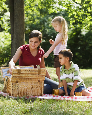 Family on a picnic | Sheknows.com