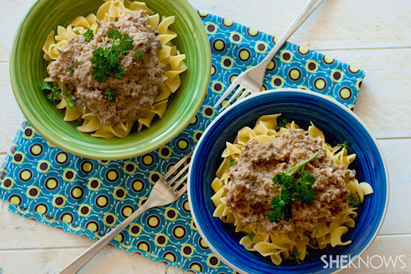Meatless cheeseburger stroganoff