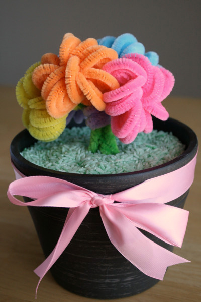 Pipe cleaner bouquet