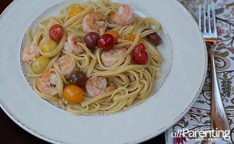 Shrimp and tomatos with pasta