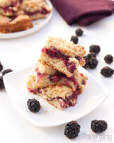 allParenting Blackberry sour cream coffee cake