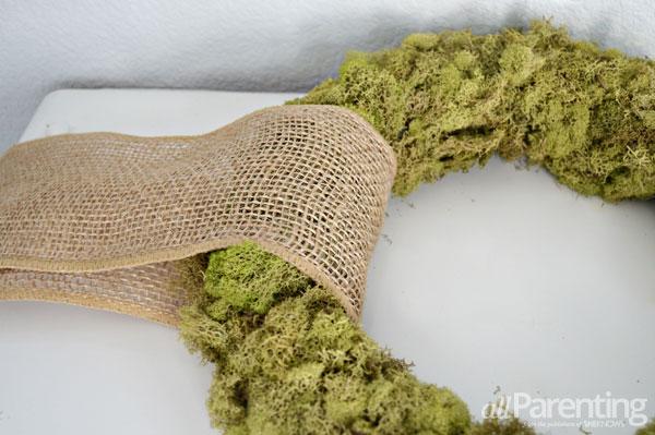 allParenting moss wreath step 4