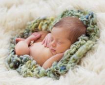 newborn photography prop: Miniature blanket