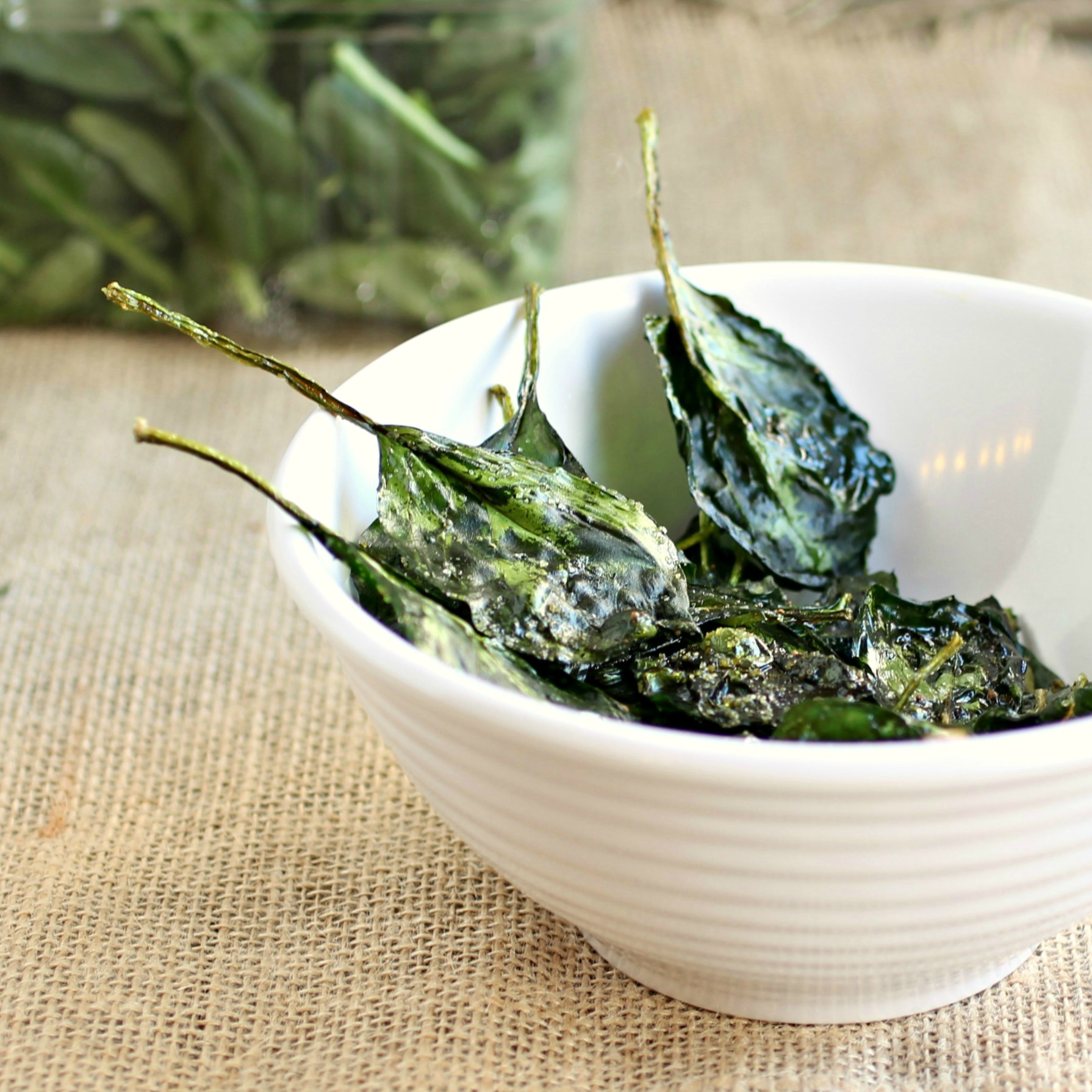 Pinterest spinach: Baked Spinach Chips