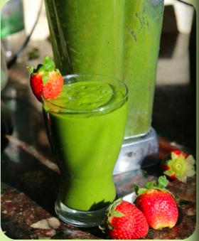Pinterest spinach: Spinach-Mango Green Smoothie