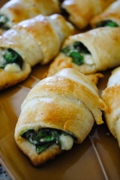 Pinterest spinach: Cheesy Spinach Crescent Rolls