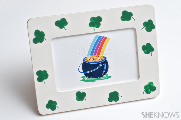St. Patricks Day crafts- Shamrock frame