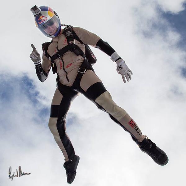extreme skydiver Amy Chmelecki