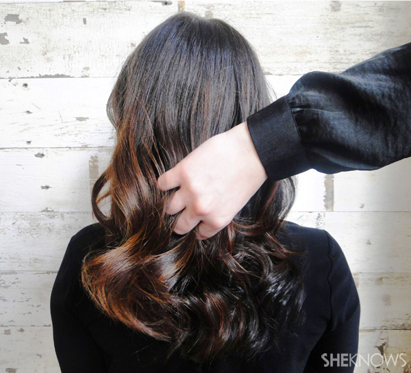 Hairstyle how to: Sexy Victoria's Secret bedhead curls | SheKnows.com