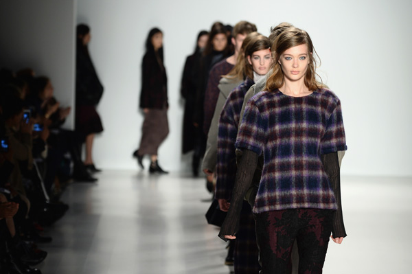 Watch New York Fashion Week videos live!
