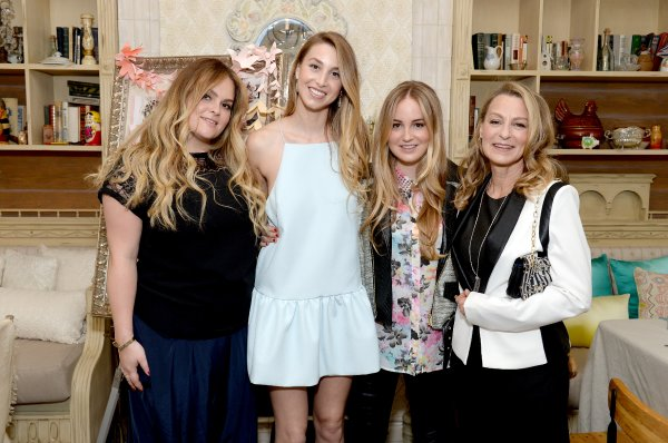 Whitney Port with sisters and mother