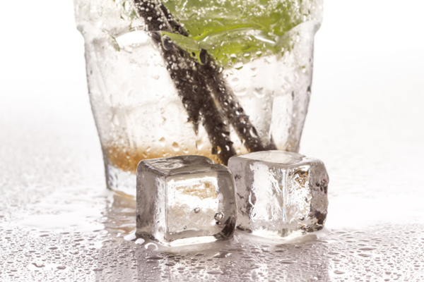 Serve crystal-clear ice with beverages