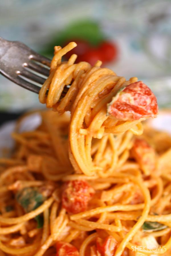 Creamy Caprese spaghetti