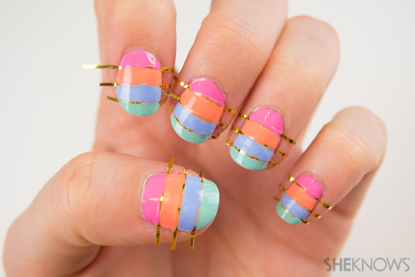 Pastel striped nails