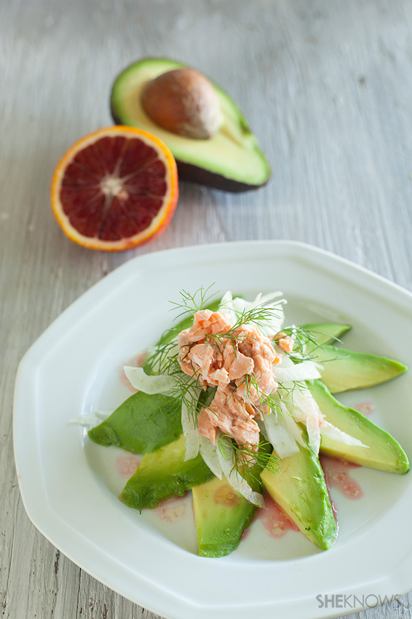 Spring fennel salad with avocado and salmon